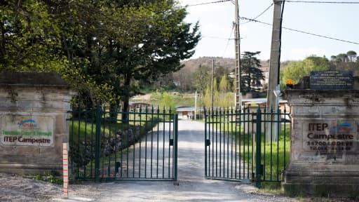 L'entrée du centre thérapeutique à Lodève, dans l'Hérault, où les deux jeunes gens étaient pensionnaires.