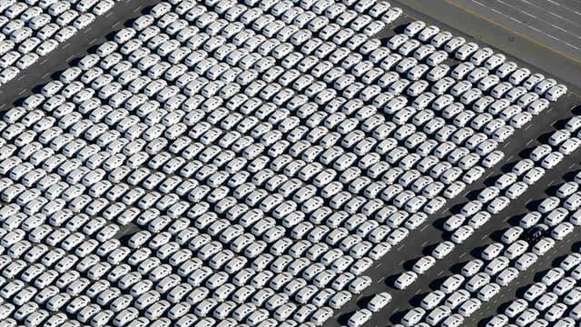 Un parc de voitures neuves du groupe Volkswagen, quelques semaines après le début du dieselgate en septembre 2015.