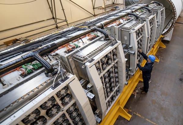 Ce sont 864 serveurs qui ont été installés dans la coque pressurisée et étanche conçue par Naval Group pour Microsoft.