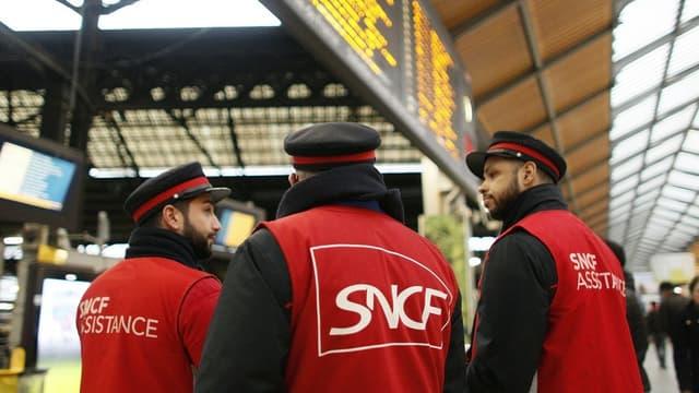 """Le DRH du groupe veut éviter d'""""avoir une SNCF à deux vitesses"""" entre cheminots restés au statut et nouveaux embauchés."""
