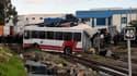 Une collision entre un bus et un train a fait 5 morts et plus de 50 blessés