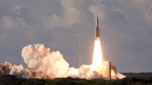 Une fusée Ariane 5 lancée depuis la base de Kourou, en Guyane.