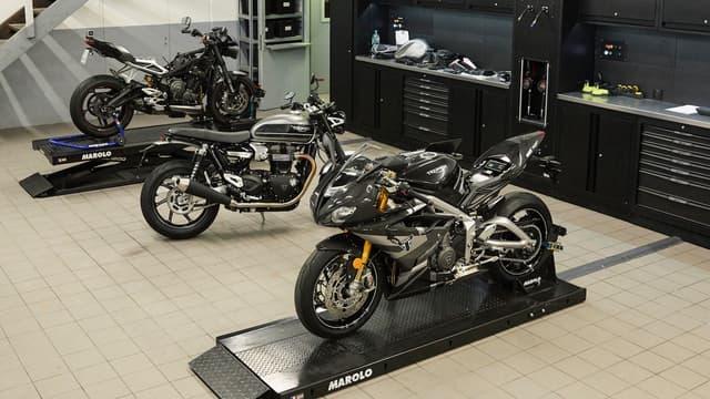 Depuis quelques semaines, impossible de trouver une moto. Les stocks se vident dans les concessions et les clients doivent patienter plusieurs mois