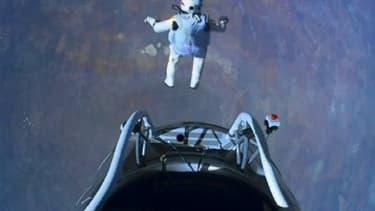 L'Autrichien Felix Baumgartner, sponsorisé par Red Bull, a franchi le mur du son en chute libre.