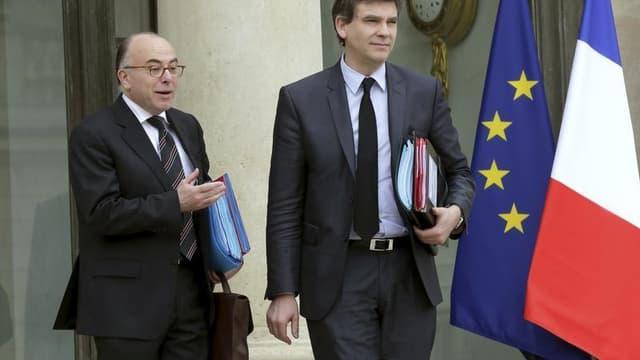 le ministre français du Budget Bernard Cazeneuve a tancé mardi sur Radio Classique son collègue du Redressement productif et plus généralement les détracteurs de l'Allemagne et de l'Union européenne au sein de la majorité de gauche en France, qui se tromp