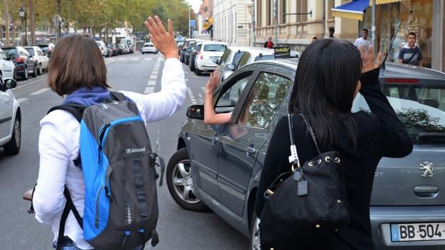 Un cadre de La Poste est suspendu pour avoir transporté des passagers via Blablacar avec sa voiture de fonction.