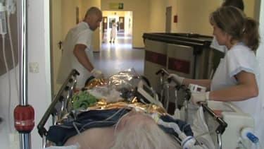 Personne âgée admise aux urgences. (Illustration)