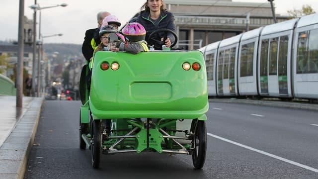 Dans l'Eure, trois Cyclo-bus de la société S'cool bus assurent le ramassage scolaire des enfants de Louviers (image d'illustration)