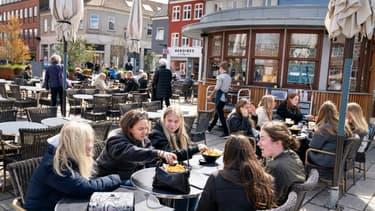 Bars et restaurants rouvrent à Roskilde, au Danemark, le 21 avril 2021 (photo d'illustration)