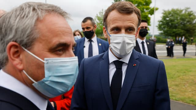 Emmanuel Macron et Xavier Bertrand à Douai ce lundi.