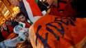 Sympathisants du Fidesz, dans les rues de Budapest. Le parti de centre droit est sorti largement en tête du premier tour des législatives en Hongrie avec 52,8% des voix tandis que les socialistes du MSZP, au pouvoir, ne remportaient que 19,3%, selon le dé
