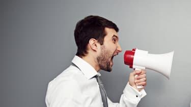 24% des salariés se plaignent du bruit émis par les conversations de leurs voisins de bureau.