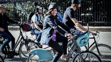 Anne Hidalgo lors d'une sortie à vélo ce mercredi 4 septembre