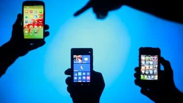 Avec la géolocalisation, les réseaux sociaux, le streaming, la vidéo et la consultation des sites d'information, les batteries sont en permanence mises à rude épreuve.