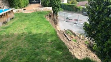 Une famille se retrouve sans domicile après un glissement de terrain dû aux intempéries à Saint-Genis-Les-Ollières.