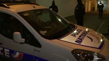 La police lors de l'arrestation d'Adrien Derbez, convoyeur de fonds, à Amiens, le mardi 12 février 2019.