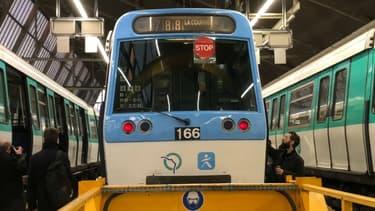 Les conducteurs de métro peuvent prendre leur retraite à partir de 51 ans. Mais ils ne touchent pas une pension à taux plein.