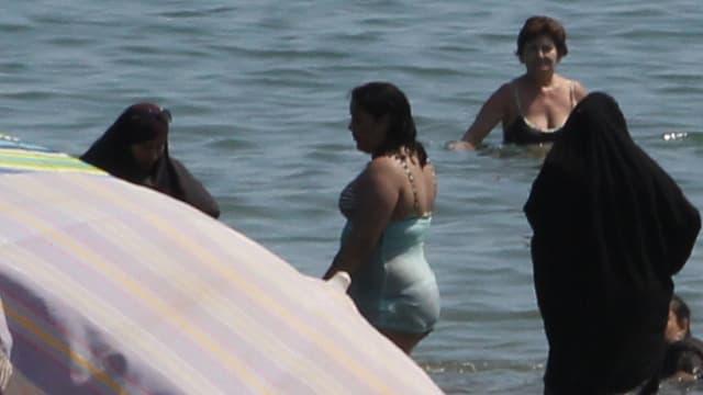 Seules dans les villes de Cannes et de Nice, les policiers ont dressé des contraventions pour port de burkini.