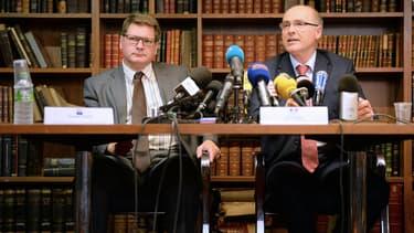 A droite, Brice Robin, procureur de la République au TGI de Marseille, mène l'enquête judiciaire sur le crash de l'A320 de Germanwings.
