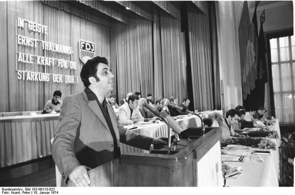 Egon Krenz en 1974.