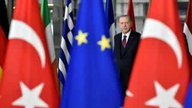Le président turc Recep Tayyip Erdogan avant une rencontre avec les  présidents de la Commission européenne et du Conseil européen à Bruxelles, le 9 mars 2020