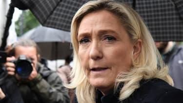 Visite de Marine Le Pen dans un commissariat de Villeneuve-la-Garenne, le 12 juin 2020