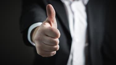 La reconnaissance ai travail, c'est aussi prendre quelques minutes pour complimenter un collaborateur pour son travail et ses efforts.