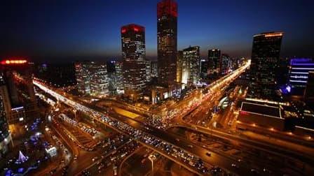 Vue de Pékin. Une petite moitié (46%) des Chinois les plus riches pensent à quitter le pays, principalement pour l'éducation de leurs enfants, selon une étude publiée ce week-end par le Hurun Report et la Banque de Chine. /Photo d'archives/REUTERS/Jason L
