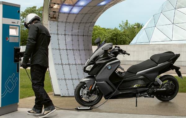 Le C-Evo de BMW est le premier de la catégorie des équivalents 125 cm3