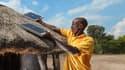 Les systèmes solaires domestiques commercialisés en Afrique, sont constitué en général d'un panneau photovoltaïque, de lampes à LED et d'une batterie lithium-ion.
