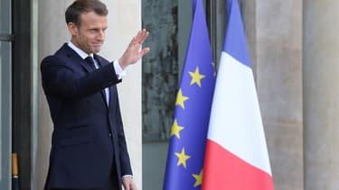 Emmanuel Macron sur le perron de l'Elysée, le 14 octobre 2019.