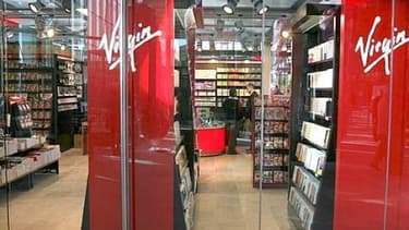 Virgin Megastore est frappé par les difficultés du secteur de la distribution de biens culturels, tout comme la Fnac
