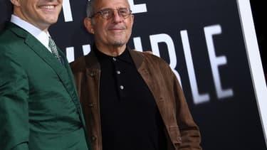Le magnat d'Hollywood Ron Meyer, à droite.