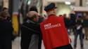 La SNCF a renforcé les équipes des gilets rouges qui accompagnent les passagers en gare.