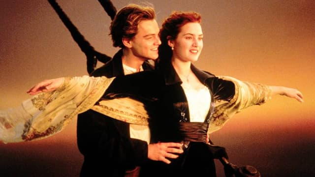 "Leonardo DiCaprio et Kate Winslet dans ""Titanic""."