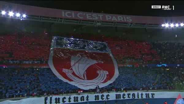 Le tifo avant PSG-City