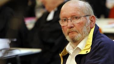 Le procès de Jean-Claude Mas et de quatre anciens cadres de la société Poly Implant Prothèse (PIP), au coeur d'un scandale mondial d'implants mammaires défectueux, s'est achevé vendredi à Marseille. Le tribunal correctionnel a mis son jugement en délibéré