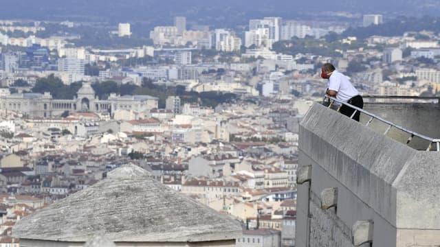 Le maire de Marseille travaille à un grand plan de rénovation des écoles.