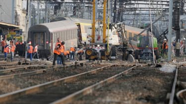 Le train déraillé à Brétigny, le 13 juillet 2013.