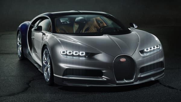 467 km/h de pointe et un 0 à 100 km/h en 2,5 secondes. Il est probable que l'on oublie la Veyron plus vite que prévu.