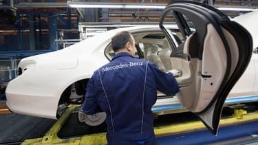 Mercedes-Benz compte ouvrir dans le monde huit usines de cellules de batteries