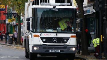 Le groupe français Veolia vient de signer un nouveau contrat d'une durée de 8 ans pour s'occuper des déchets de l'arrondissement londonien de Camden (image d'illustration)