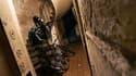 La France comptait 250.000 personnes sans domicile ou en hébergement précaire et 2,9 millions habitant des logements sans confort à la fin des années 2000, selon une étude de l'Insee publiée jeudi. /Photo d'archives/REUTERS/Franck Prevel