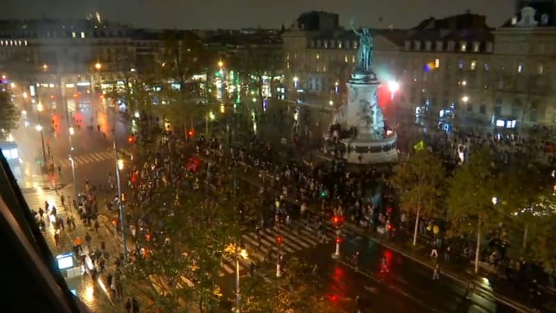 """Manifestations """"sécurité globale"""": des scènes de vandalisme à Paris, une mobilisation en baisse"""