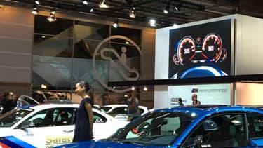 Les M3 et M4 sont les stars du stand BMW M, une première pour la gamme haute performance du constructeur allemand sur un salon.