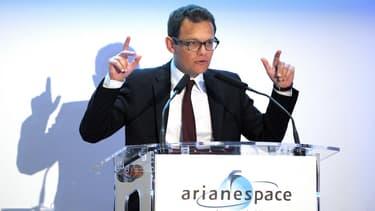 Le retour sur Terre du lanceur SpaceX constitue un exploit technologique, mais il ouvre de nombreuses questions non résolues, selon Stéphane Israël, le PDG d'Arianespace.
