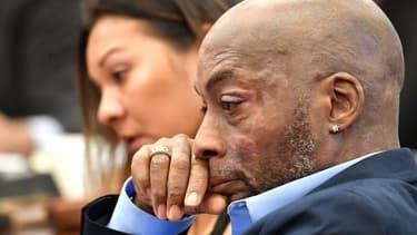 Atteint d'un cancer après avoir vaporisé du Roundup pendant plus de deux ans, Dewayne Johnson a porté plainte contre Monsanto