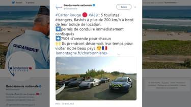 Les cinq Porsche 911 immobilisées par les gendarmes.