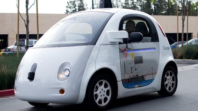 Google passe la second sur al voiture autonome (image d'illustration)
