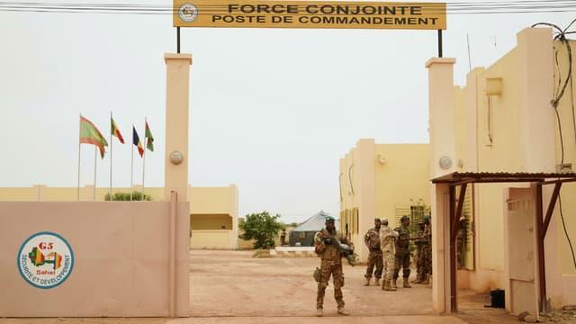 Entrée du quartier général de la force antijihadiste du G5 Sahel à Sévaré, dans le centre du Mali